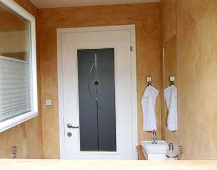 seamless bathroom